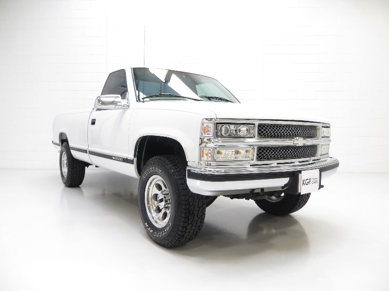 The Classic Car Finder An Extroverted Chevrolet Silverado Ck2500