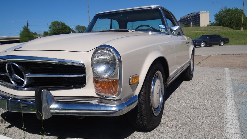 1970 Mercedes Benz 280 SL-$72,000(SHIPPING AVAILABLE WORLD WIDE)