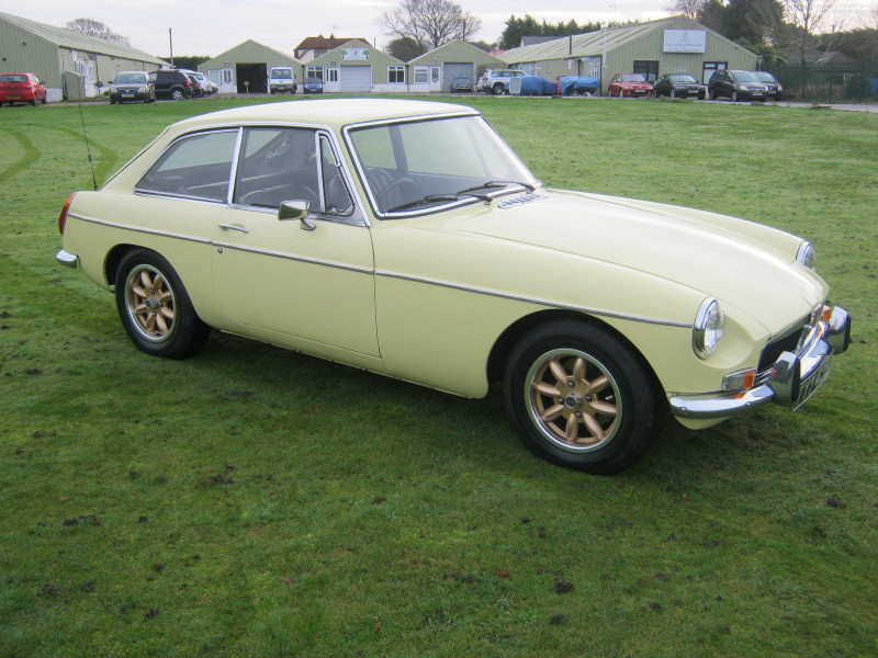 The Classic Car Finder - 1973 MGB GT IN PALE PRIMROSE. HERITAGE ...